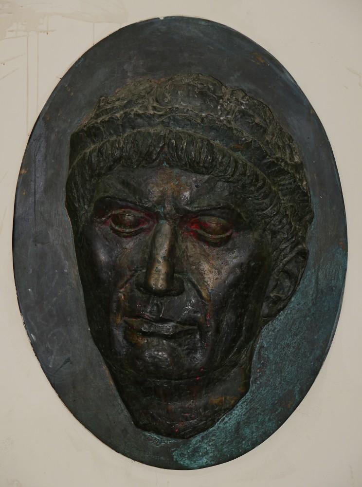 Kliknij obrazek, aby uzyskać większą wersję  Nazwa:Trajan.jpg Wyświetleń:15 Rozmiar:147,9 KB ID:225028