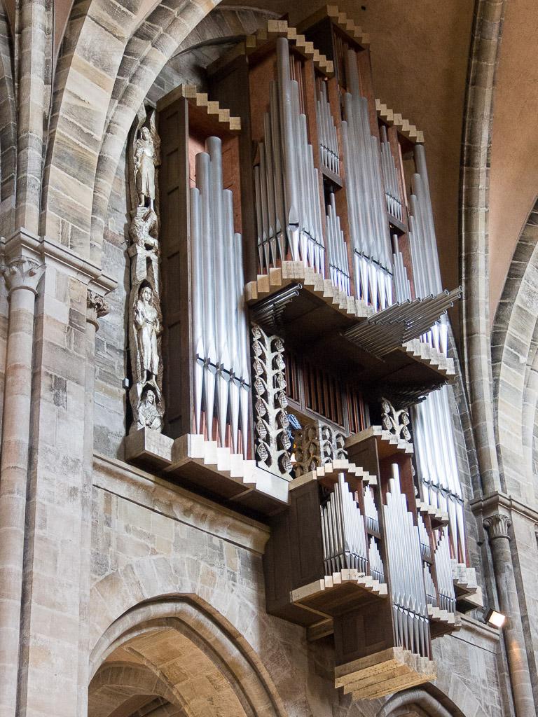 Kliknij obrazek, aby uzyskać większą wersję  Nazwa:Organy w katedrze-7060113.jpg Wyświetleń:283 Rozmiar:353,8 KB ID:123838
