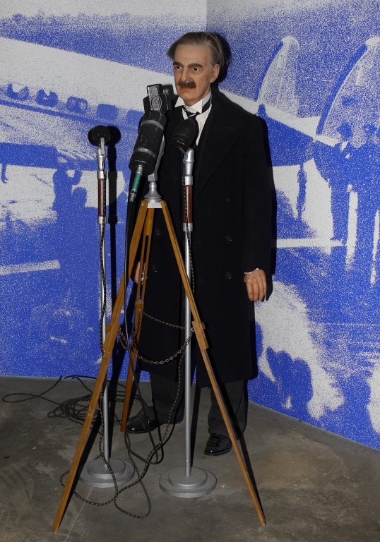 Kliknij obrazek, aby uzyskać większą wersję  Nazwa:Neville Chamberlain.jpg Wyświetleń:11330 Rozmiar:155,3 KB ID:116350
