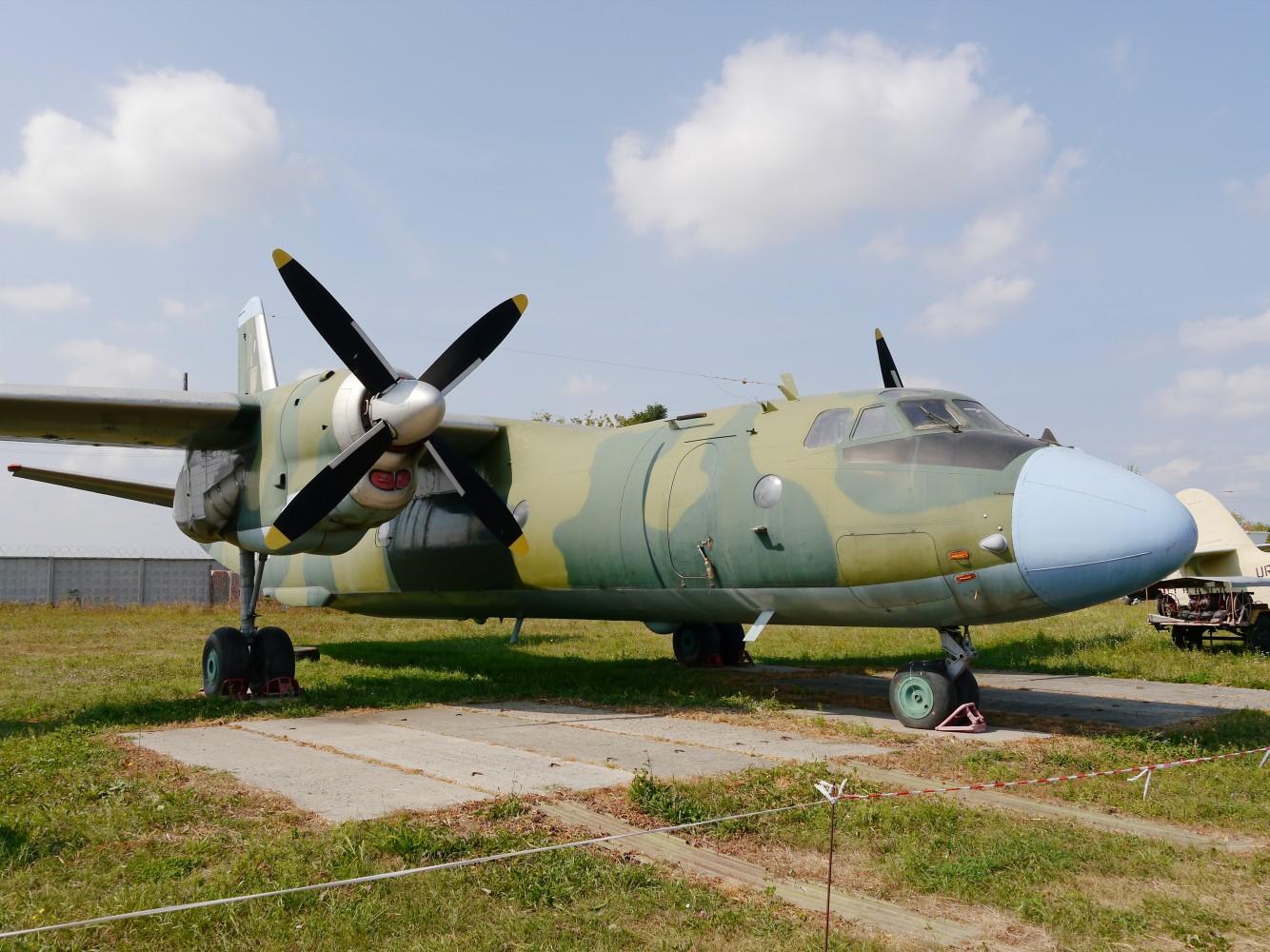 Kliknij obrazek, aby uzyskać większą wersję  Nazwa:An-26 (2).jpg Wyświetleń:25 Rozmiar:310,2 KB ID:234700