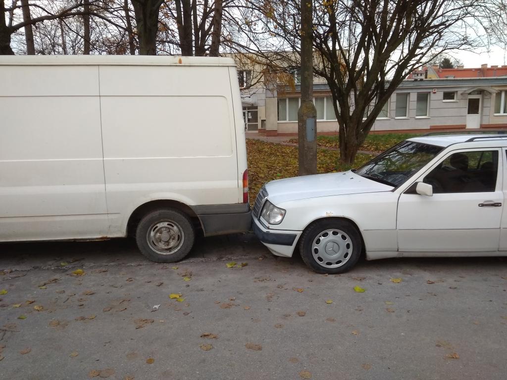 Nazwa:  parkowanie.jpg Wyświetleń: 113 Rozmiar:  423,0 KB