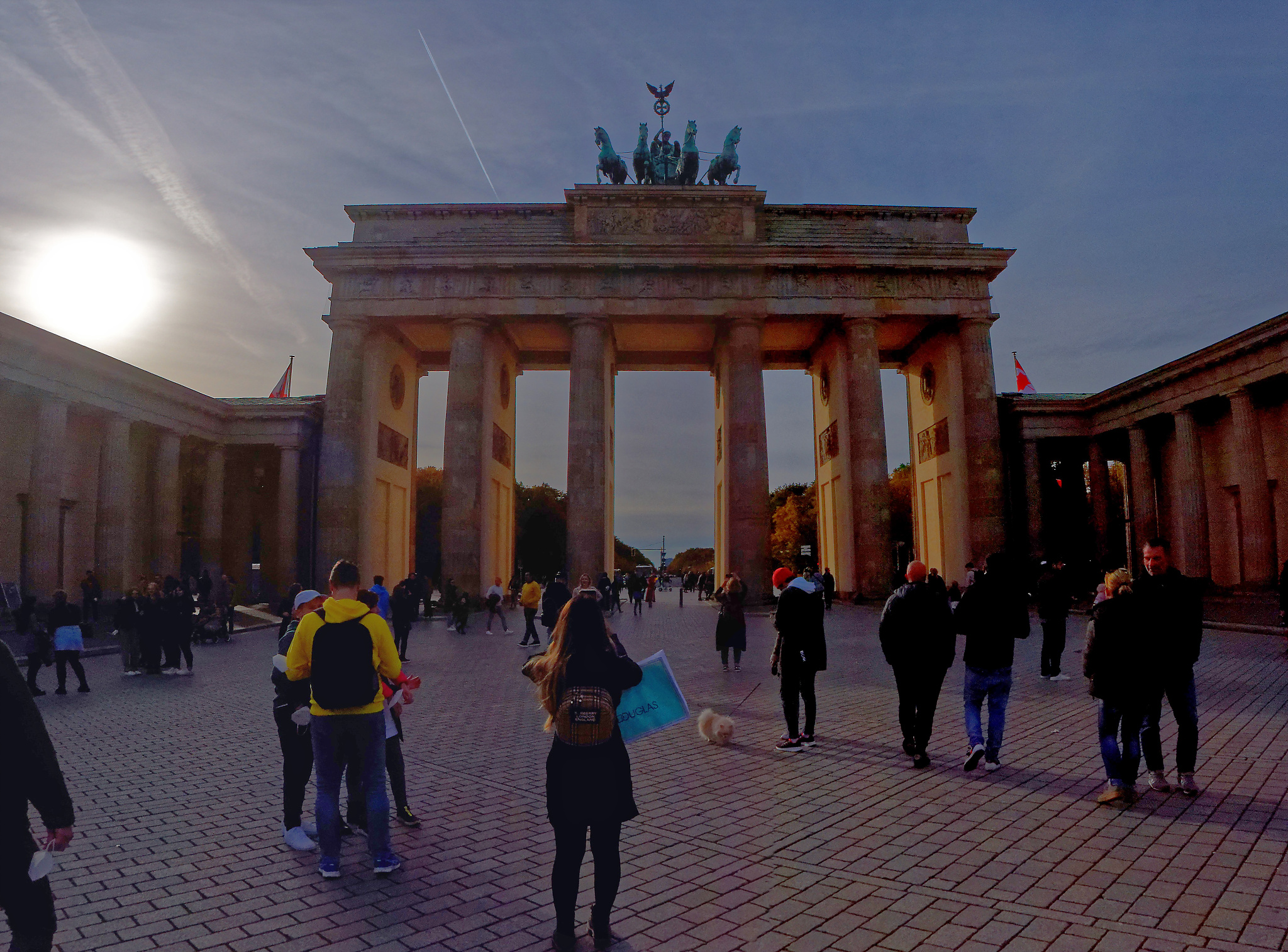 Kliknij obrazek, aby uzyskać większą wersję  Nazwa:Brandenburger Tor.jpg Wyświetleń:6 Rozmiar:1,38 MB ID:238136